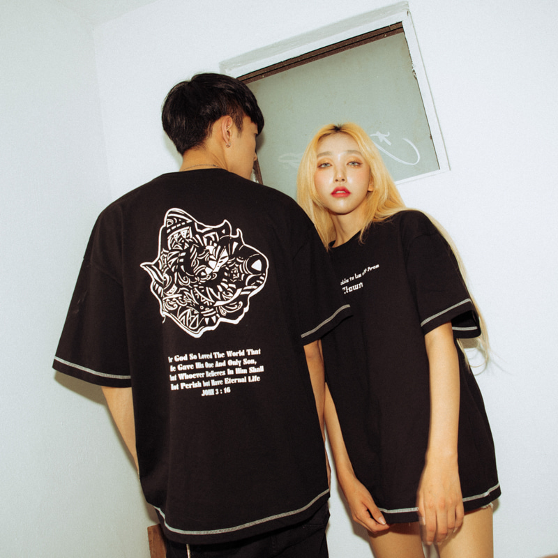[A.Clown]Black Rose-Eye Stitch Half-Tee