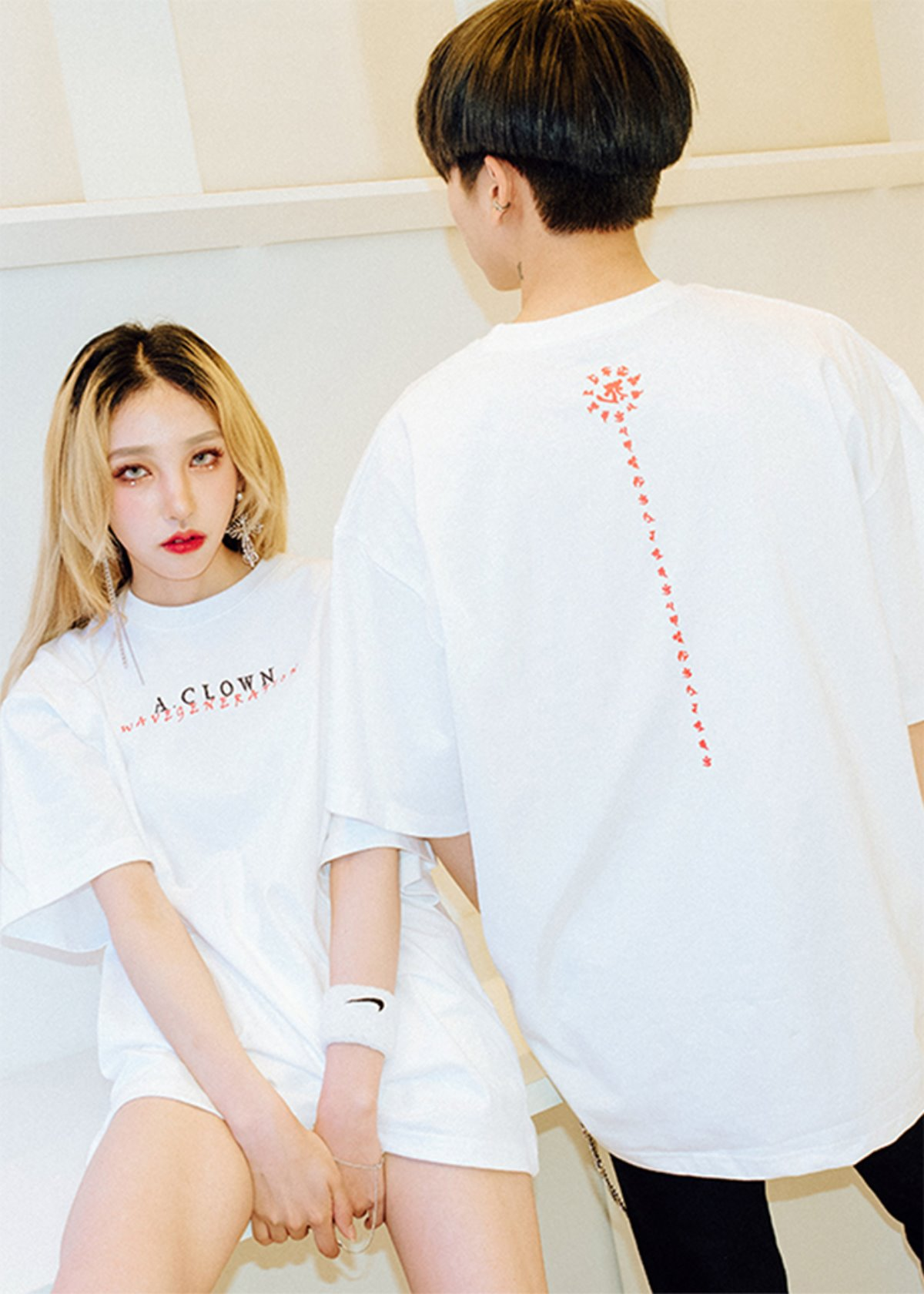 Wave-Lettering Half-Tee WHITE